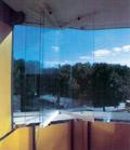 Рис.6: Прозрачное безрамное остекление балконов позволяет сохранить любое архитектурное решение