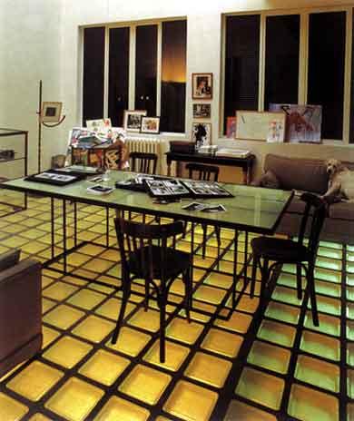 ...стеклянные полы применяют в первую очередь при устройстве различных...